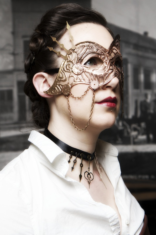 Mask-and-Necklace